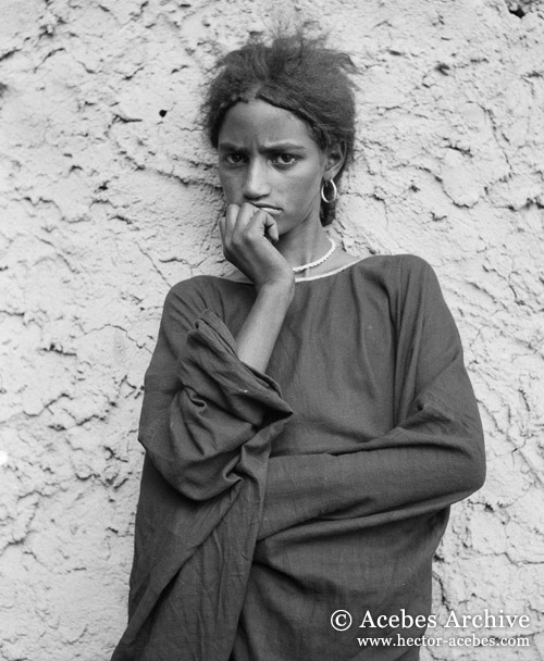 Hector Acebes Archive » Blog Archive » Unidentified girl