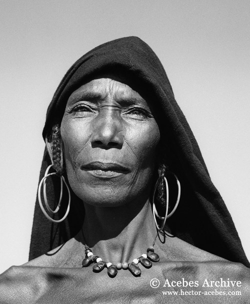 Unidentified girl, Chad, 1949 - @ Hector Acebes